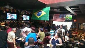 bar43_worldcupviewing