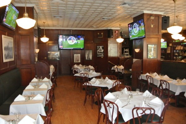 mcfaddens_interior-dining-room